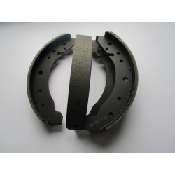 Bremsbacken hinten 30 mm 58-64
